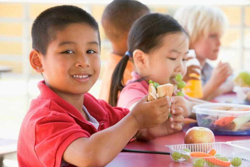 Boy eating sandwich_1024x600.jpg