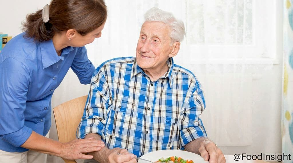 Eating with Alzheimer's Diease_1 (1).jpg